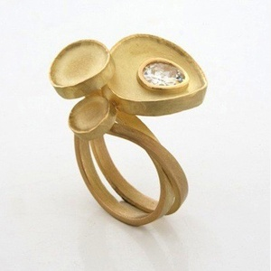 diamond ring by world luxury jeweller Daisy Verheyden