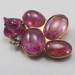 brooch by Parisian jeweller Maison Beigbeder
